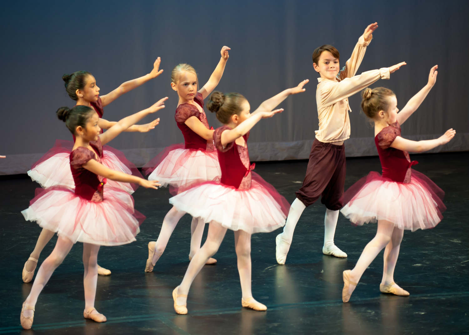 kids ballet performace on stage
