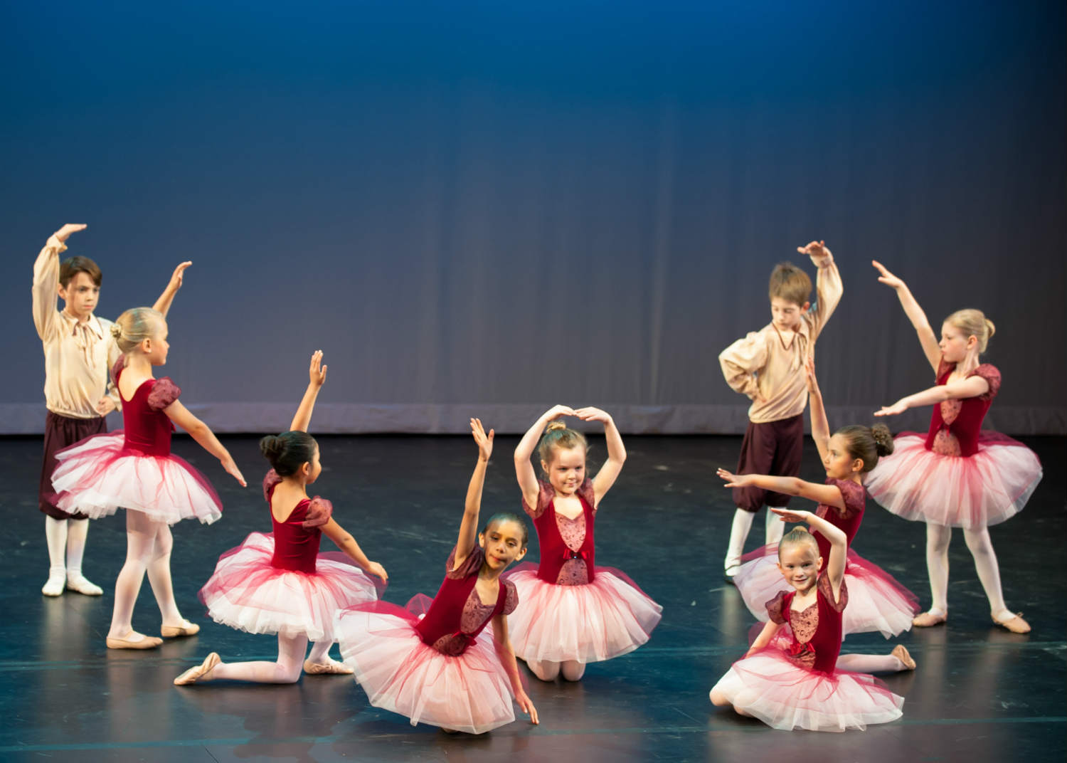 little kid ballet performace